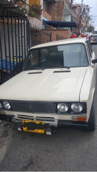 Lada 93 Automovil