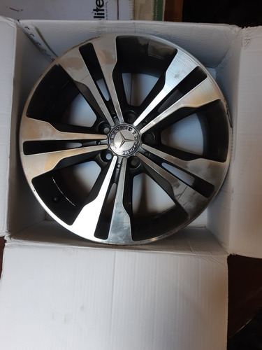 Imagem 1 de 2 de Mercedes