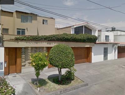 Casa En Venta - San Borja - Muy Bien Ubicada