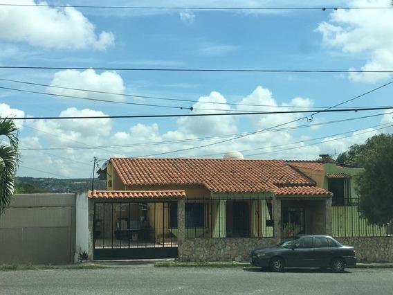 Casa En Venta En Colinas Santa Rosa 19-15906 Rb