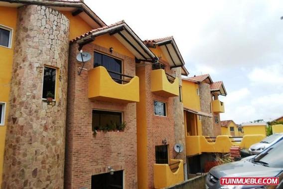 Casas En Venta, Urb. El Hatillo 19-4392