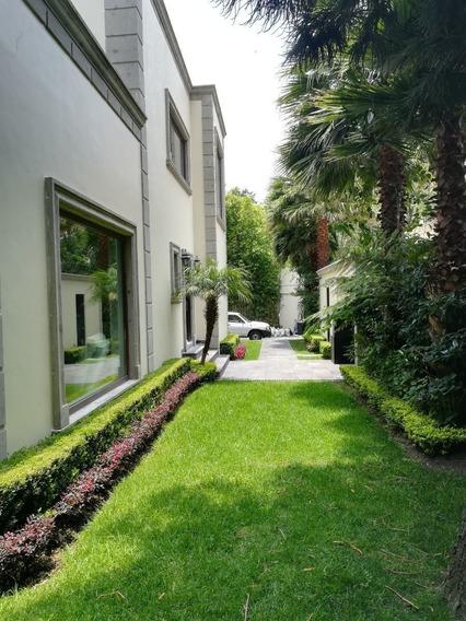 Hermosa Casa De 4 Recámaras Con Amplio Jardín