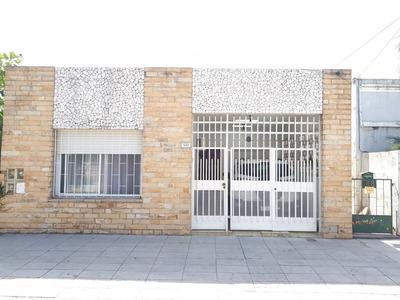 Casa 3 Amb Con Cochera Y Patio Jardin - San Martin