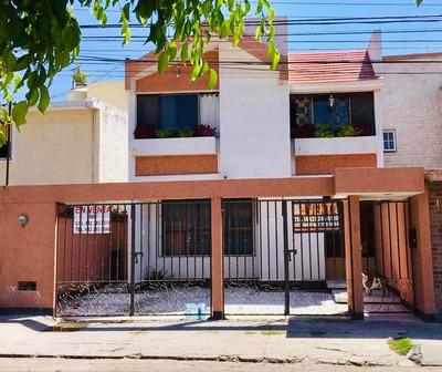 Céntrica Casa En Venta Col. Quintas Del Marqués