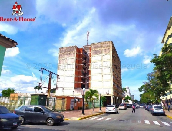 Oficinas En Venta Zona Centro Barquisimeto 21-3522 J&m