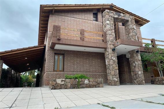 Venta De Casa En El Barrio Dalvian, Mendoza