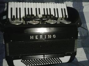 Acordeon Hering 80 Baixos Eletrificada (amplificada)