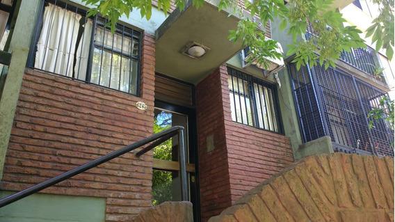 Ciudad Jardín; En Venta Departamento De Dos Ambientes ; Living - Comedor,con Balcón Dormitorio Con Placards,cocina Amoblada, Baño Completo.- Venta Inmediata F: 7848