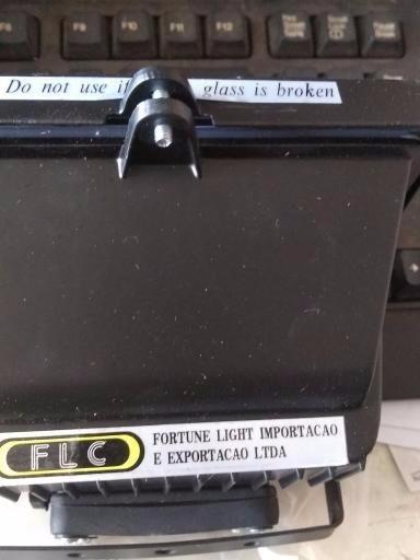 Refletor Flc 110v/150w C/lampada Halógena Preto R$12,99 Cada