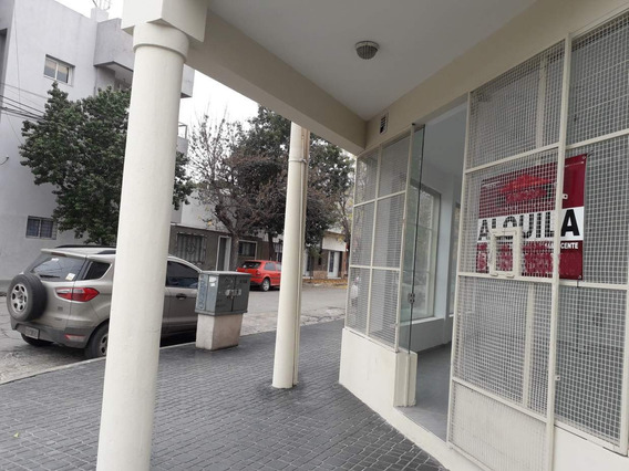 Alquilo Locales/oficinas, San Vicente, Agustin Garzon Esq. Ambrosio Funes