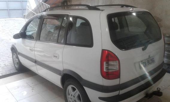Chevrolet - Zafira 2003 - 2.0 - Branca - Gasolina - 8v -