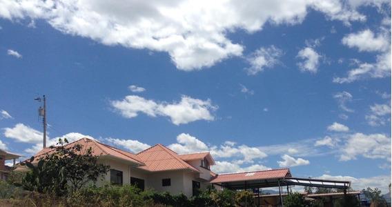 Casa De Campo Ubicada En El Valle De Yunguilla Amoblada