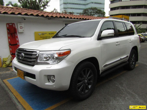 Toyota Land Cruiser 200 4.5 Imperial