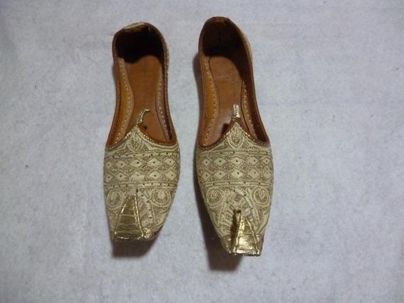 ** Zapatos Brillo Dorado Para Disfraz De Mi Bella Genio **