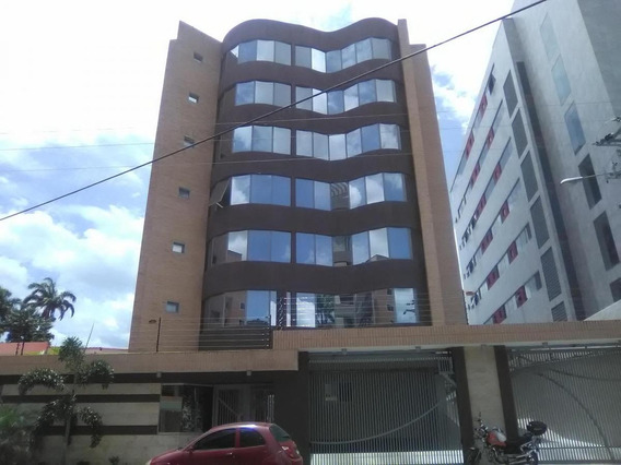 Apartamento En Venta La Arboleda 04144476119