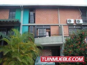 Celeste C 18-1554 Townhouses En Nueva Casarapa
