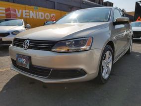 Volkswagen Jetta 4p Style 5vel