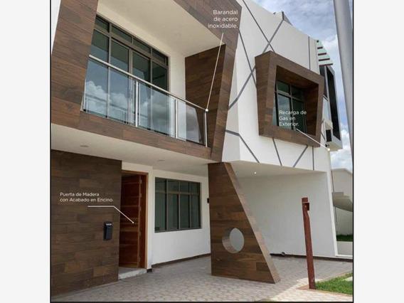 Casa Sola En Venta Zona Plateada. Real De Pachuca. Super Ubicada Y Segura Privada En Zona Plateada.