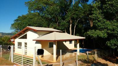 Condomínio Ibiúna 1.000 M Casa Nova 3 Dormitórios E Piscina!