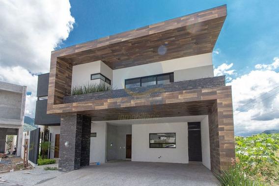 Casa En Venta En Monterrey Carretera Nacional La Joya