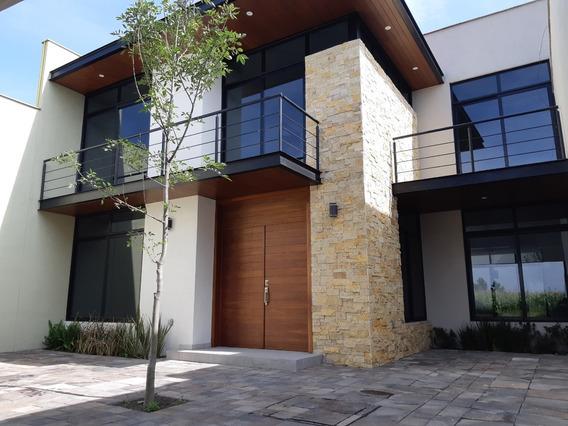 Hermosa Casa En Metepec, A 2 Cuadras De Av. Tecnológico