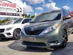 Toyota Sienna Le Verde 2011
