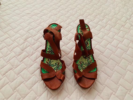 Sandália Vermelha Colcci 37