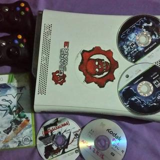 Xbox 360 Jakeado Con 2 Controles Y Juegos