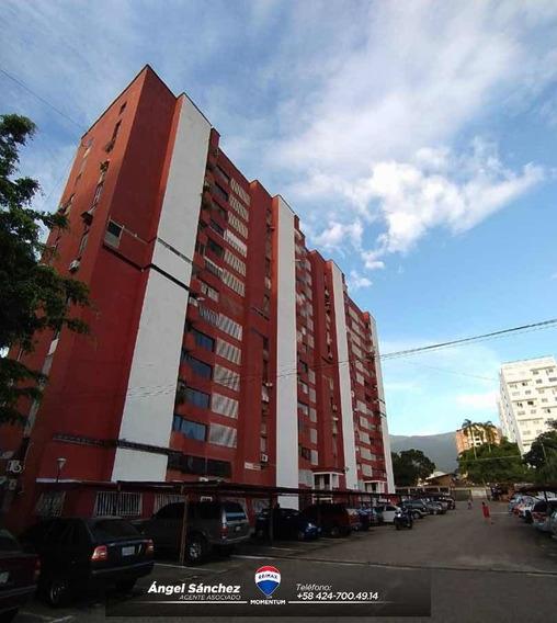 Se Vende Apartamento Remodelado En Residencia Sc Pueblo Nuev