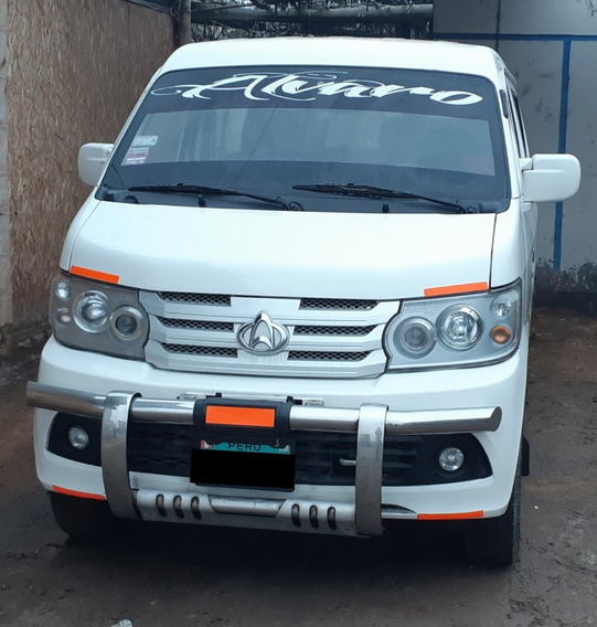 Minivan Changan Blanco Mecanico