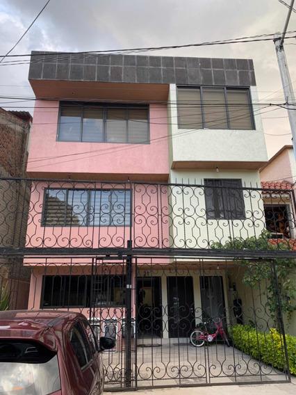 Casa De 5 Recámaras, 4 Pisos, Elevador 5 Baños