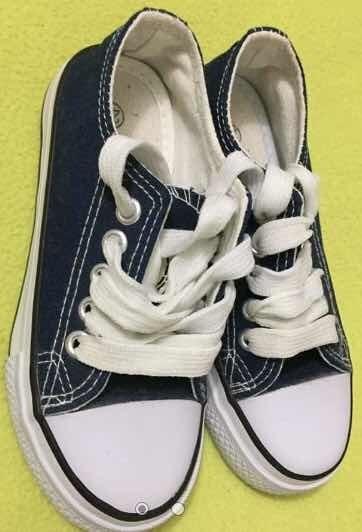 Zapatos Tipo Converse Talla 29 Niño Azul Y Negros Deportivos