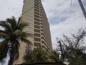 Venta De Apartamento En Playa Grande / Ac 19-15681