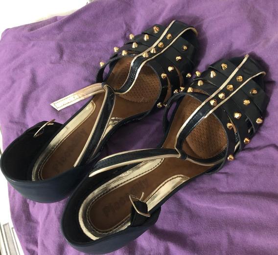 Sapato De Salto Com Tachinhas