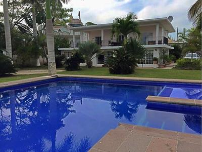 Casa De Recreo Vacacional Familiar, Barra De Cazones, Ver.