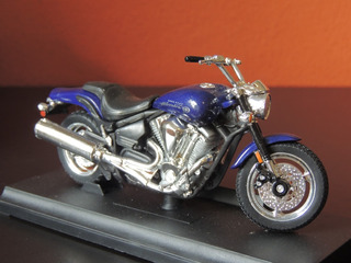 Miniatura De Moto Road Star Warrior Preta 1:18 Welly