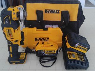 Sierra Oscilante Dewalt Dcs355b, 2 Bat 5a, Cargador 220v