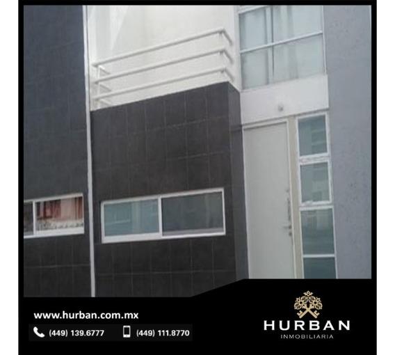 Hurban Vende Casa Semi Nueva En Excelente Estado En Coto Australis Al Sur.