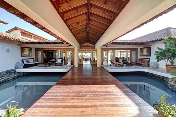 Villa En Venta En Casa De Campo La Romana Republica Dominica