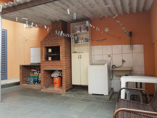 Imagem 1 de 14 de Vendo Troco Casa Terrea Tres  Quartos / Suite (vi489)