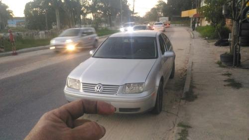 Imagem 1 de 10 de Volkswagen Bora 2003 2.0 4p