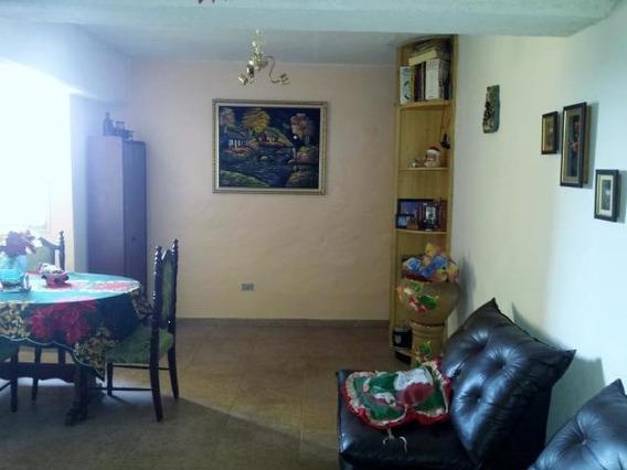 Comodo Apartamento En Venta En Turmero Mm 19-19177