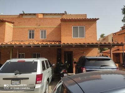 Venta De Inmueble, Re/max Hecyari Luque Cel.0424-4950468 Hlq