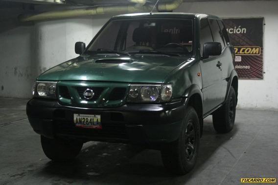 Nissan Terrano Rustico