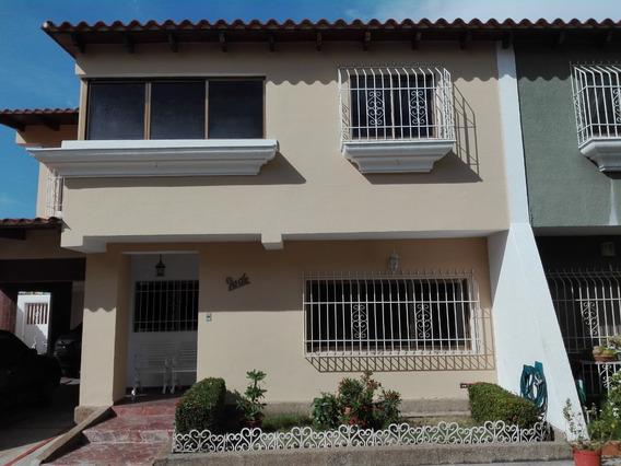 Town House - Piedra Del Sol - 180.000