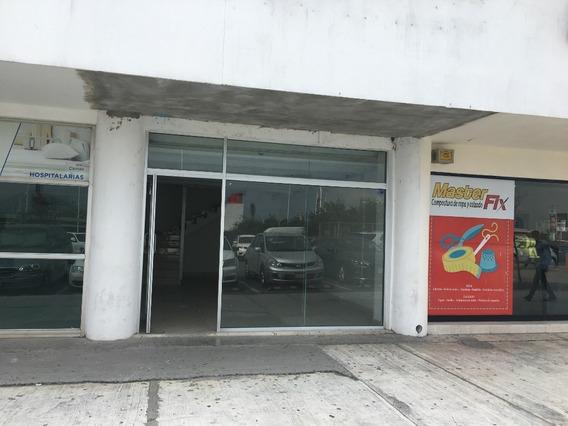 Renta De Local En Exterior De Plaza Comercial