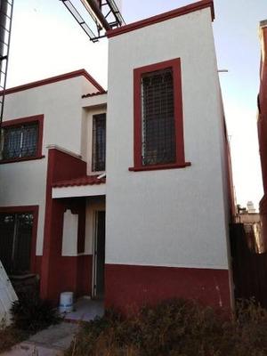 Casa En Renta En Fco De Montejo, En Avenida Concurrida, Excelente Para Comercio.
