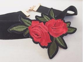 Choker\ Gargantilha Veludo Preto + Rosas