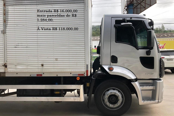 Ford Cargo 1719 Baú Ano: 2013 Cinza