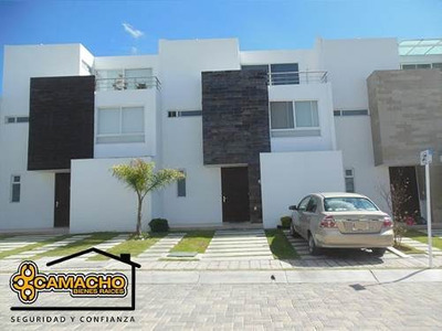 Casa En Venta En Lomas De Angelópolis Opc-0263